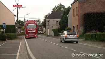 Twintig jaar na dodelijk ongeval eindelijk een fietspad op N462 in Wetteren - TV Oost