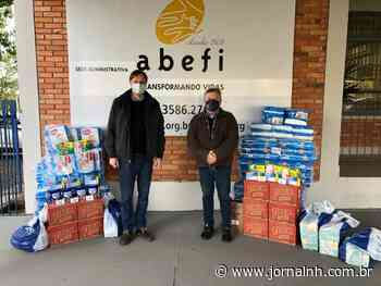 Redecker e equipe entregam donativos a Abefi, de Novo Hamburgo - Jornal NH