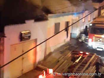 Incêndio destrói casas na noite desta sexta-feira em Varginha - Varginha Online