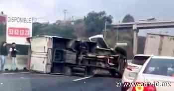 Volcadura de tráiler en la autopista Lechería-Chamapa provoca caos vial - ADN 40