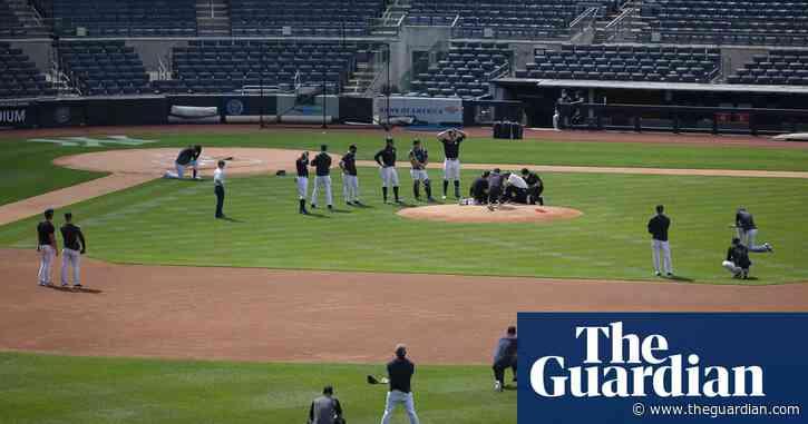 Masahiro Tanaka hit in head by line drive in scary Yankee Stadium scene