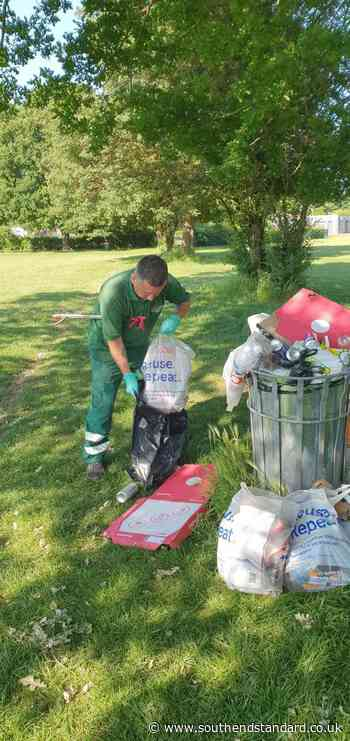 Litterbugs beware! YOU could now be fined for dropping rubbish in our parks - Southend Standard