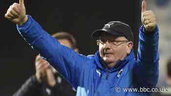 Raith Rovers: League One champions use furlough to extend 13 deals - BBC Sport