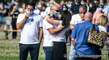 Gemelli uccisi dal padre, a Gessate i funerali di Elena e Diego - Il Messaggero