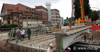 Weinheim: Zwillingsbrücke am Bahnhof ist wieder komplett - Rhein-Neckar Zeitung
