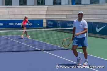 Rafael Nadal und Carlos Moya spielen in der Rafa Nadal Academy Doppel gegen Junioren - Tennis World DE