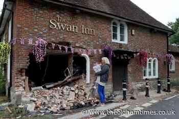 Pub manages to open despite car crashing into front - theoldhamtimes.co.uk
