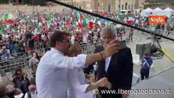 Salvini, Meloni e Tajani: selfie in piazza del Popolo contro il governo - Liberoquotidiano.it
