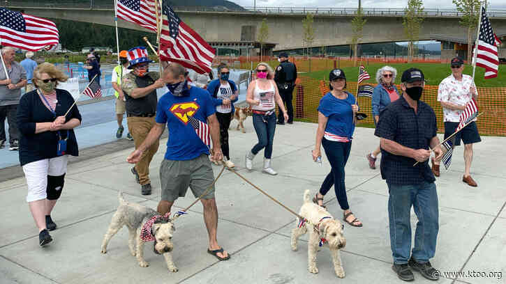 'Back the Blue' demonstrators hold Independence Day rally in Juneau