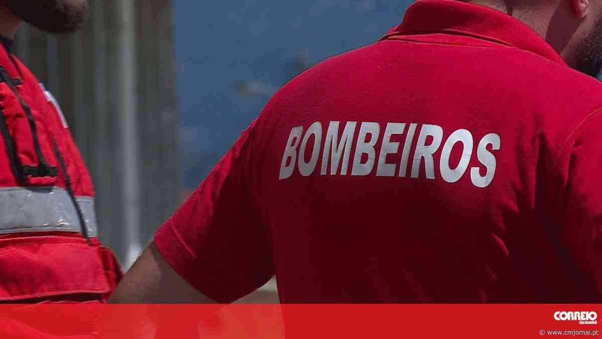 Número de bombeiros de Queluz infetados com coronavírus sobe para 15 - Correio da Manhã