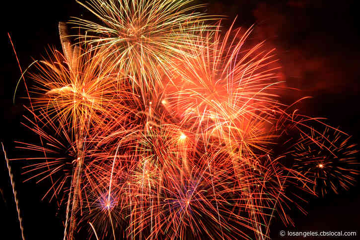 Lancaster Holds Its July 4th Fireworks Show Amid Coronavirus Warnings In Celebration And Defiance