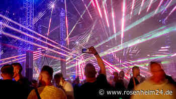 Polizei löst illegale Techno Party im Wald auf