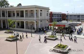 Colegio Vicente Rocafuerte forja al guayaquileño libre - El Universo
