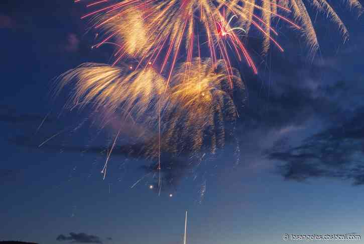 Los Angeles Police Report Over 1,000 Complaints Of Illegal Fireworks Reported Online, Warn Against Calling 911 For Non-Emergencies