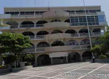 En Ayuntamiento de Nanchital, regresan a trabajar empleados no vulnerables - Imagen de Veracruz