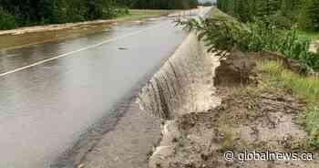 Flooding impacts Highway 16 traffic east of Jasper - Globalnews.ca