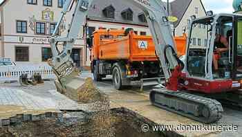 Wolnzach: Wasserrohrbruch am Wolnzacher Marktplatz - Feuerwehr sicherte in der Nacht ab - Straße für die Dauer der Reparaturarbeiten gesperrt - donaukurier.de