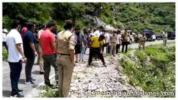 Mussoorie: Couple killed, girl and driver injured after car falls into gorge