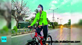 Unlock 2.0: City cycling enthusiasts hit the road for their outdoor fitness routine - Times of India