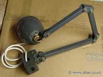 VINTAGE INDUSTRIAL MEMLITE MACHINE LAMP
