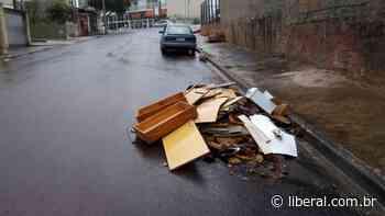 O Liberal Lixo no meio da rua na Vila Santa Maria gera reclamações de moradores - O Liberal