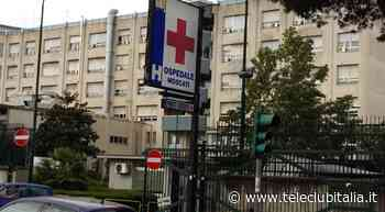 Aversa, si fingono pazienti al pronto soccorso per rubare un pc - Teleclubitalia.it