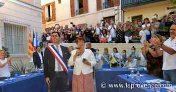 Allauch : Lionel de Cala (LR) enfile l'écharpe sur la place du village - La Provence