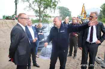 Altlasten: Innenminister Stübgen verspricht weitere Hilfe für Bombensuche in Oranienburg - Märkische Onlinezeitung