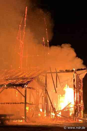 Einbeck: Historische Saline in Flammen aufgegangen - NDR.de