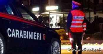Merano, barista minacciata da un ubriaco, in 4 la difendono ma finisce in rissa - Alto Adige