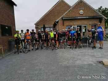 Gezinsbond en Torenvrienden van Hees fietsen naar Heppeneert - Het Belang van Limburg