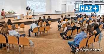 Laatzen: Albert-Einstein-Schule Laatzen verabschiedet Haupt- und Realschüler - Hannoversche Allgemeine