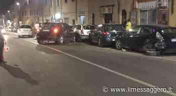 Civita Castellana, con la sua 500 distrugge tre auto parcheggiate - Il Messaggero