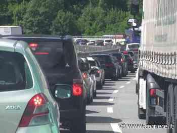 Da Milano a Genova Voltri in coda: 4 ore e 30 minuti, la rabbia di turisti e trasportatori - Corriere della Sera