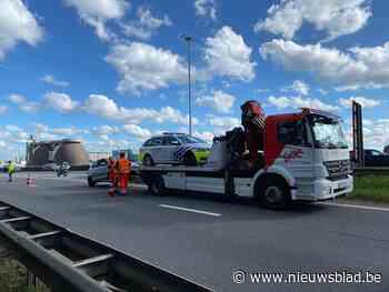 Politie rijdt auto klem op Antwerpse Ring, bestuurder onder invloed van drugs