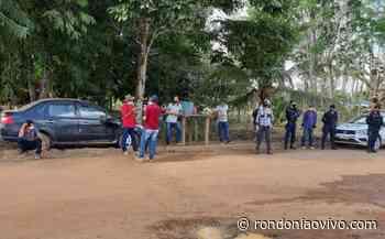JARU: Produtores de leite fazem manifestação em frente a laticínio por falta de pagamento - Rondoniaovivo