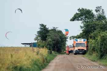 Kiter verletzt sich auf Fehmarn und muss mit Hubschrauber in die Klinik gebracht werden. - Dennis Angenendt