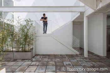 Holmberg 3470 Building / Oscar Fuentes Arquitectos