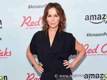 Jennifer Grey and Clark Gregg separate - High River Times