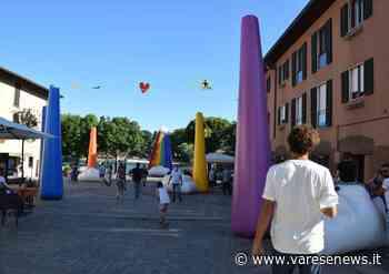 Sesto Calende, stupore e selfie sotto i colori del Parcobaleno - Varesenews