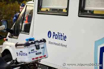 Zes transmigranten opgepikt in weide langs E313 in Schoonbeek