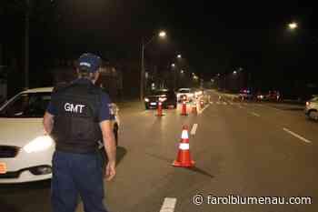 Guarda de Trânsito flagrou seis motoristas embriagados no final de semana - Farol Blumenau