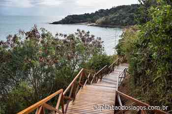 Armação de Búzios: Praia da Azeda ganha nova escada para cenário de tirar o fôlego - Plantão dos Lagos