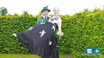 Finnentrop: Königspaar feiert Zuhause mit Bier und Blasmusik - Westfalenpost