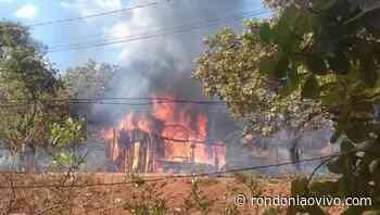 VILHENA: Incêndio criminoso destrói casas e madeiras que seriam usadas em construção - Rondoniaovivo
