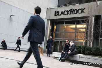 BlackRock downgrades US stocks, citing rising coronavirus cases and stimulus running out - CNBC