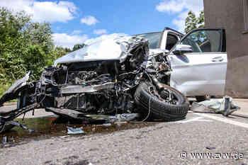 Nach schwerem Unfall: B14 zwischen Backnang-Oppenweiler und Sulzbach voll gesperrt - Blaulicht - Zeitungsverlag Waiblingen