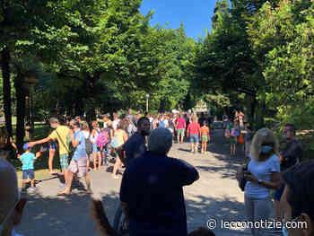 Mandello, con i giardini a lago chiusi bagnanti in fila per entrare al Lido - Lecco Notizie