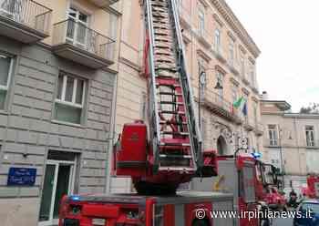 Avellino: frontalini in cemento pericolanti, intervengono i vigili del fuoco - Irpinia News