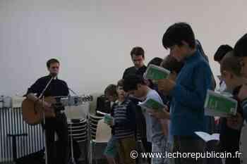 Jeunesse - A Chartres, plus de 50 jeunes à l'École de prière - Echo Républicain